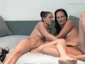 KyaraandBarbe sex cam girl image