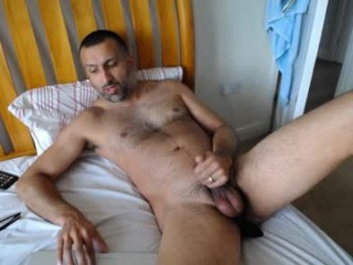 mature_papa mature cam girl with an ohmibod slutting it up live on camera