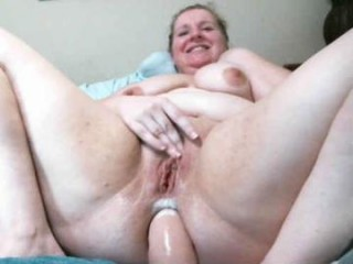 kittykay86 young cam girl with an ohmibod slutting it up live on camera