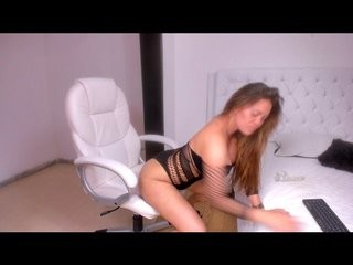 mariaisabel- blonde and her wet little pussy, live on webcam