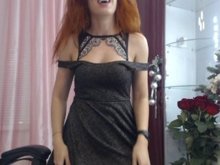 -wowfox- redhead being naughty and seductive on a live webcam