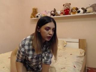 sweetlilith young girl who like to show live sex via webcam