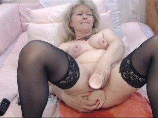 linasgurt mature cam girl doing it solo, pleasuring her little pussy live on webcam