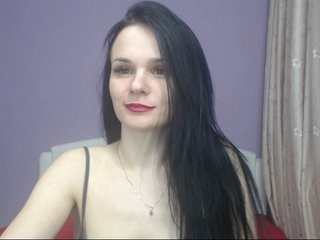 eillysh young cam girl doing it solo, pleasuring her little pussy live on webcam