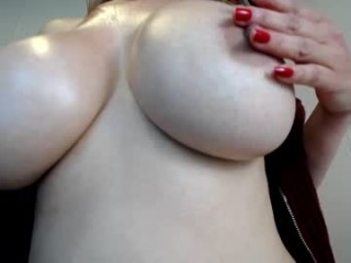 alicia_lang bisexual milf cam girl fucking boys and girls live on sex camera