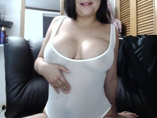 linda-atenea show live sex via webcam