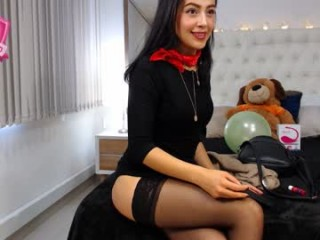 alana_clark young cam girl with an ohmibod slutting it up live on camera