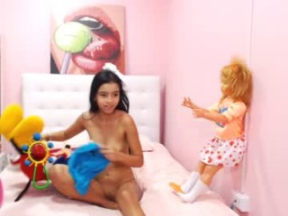miagomez1 XXX cam live cum show with a horny little teen