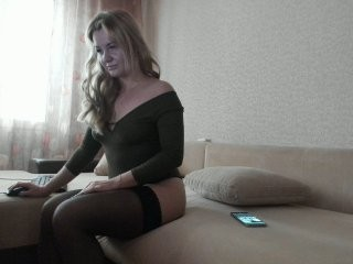 lorinen blonde and her wet little pussy, live on webcam