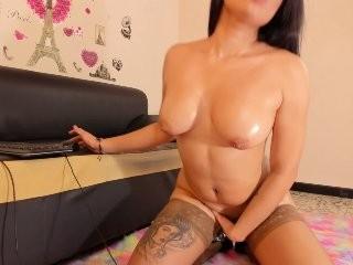 miaparker young girl who like to show live sex via webcam