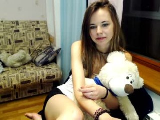 maricebon live sex cam perfect  teen in a revealing bra