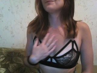 lilindda show live sex via webcam