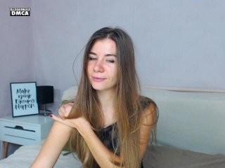 seabirdxx doing it solo, pleasuring her little pussy live on webcam