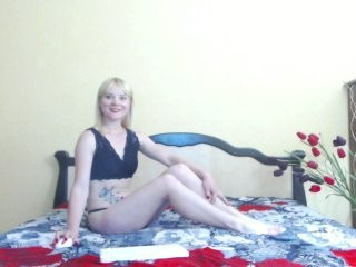 liliafoxy show live sex via webcam