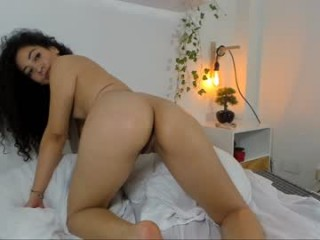 anisa_hall BBW teasing her pussy live on sex cam
