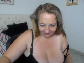 allibigtits69 bisexual fucking boys and girls live on sex camera