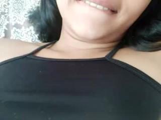 sweethannahh show live sex via webcam