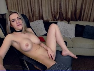 delikate XXX cam live cum show with a horny little mature cam girl