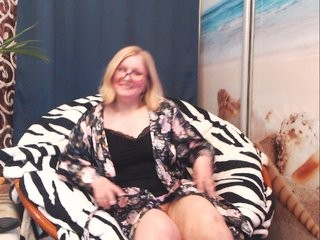 adiline blonde mature cam girl and her wet little pussy, live on webcam