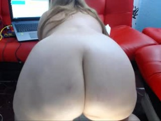 ashlleymyers Latino slut masturbating live on a webcam
