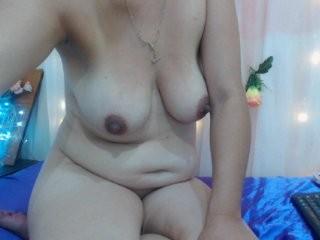 rominacasti the most beautiful brunette live on sex cam