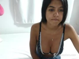 sophia_de young cam girl couple doing everything you ask them in a sex chat