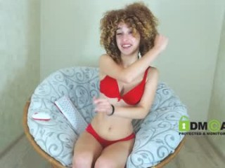 crazy__curls teen seductress showing off her immaculate, sexy feet live on cam