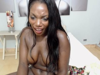 hannathomas the most beautiful brunette live on sex cam