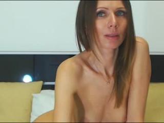 rozeamor doing it solo, pleasuring her little pussy live on webcam