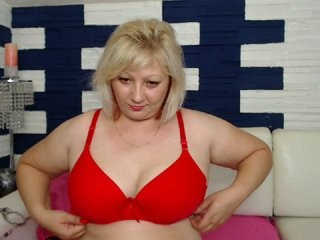 giamaturex blonde mature cam girl and her wet little pussy, live on webcam