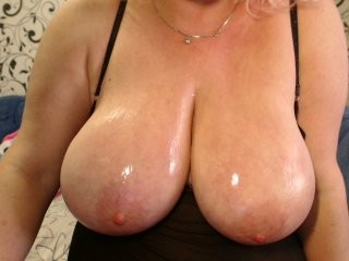 sweetfatcunt sex cam with a sweet that's also incredibly naughty