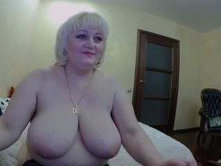 cherry786 blonde and her wet little pussy, live on webcam