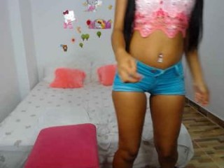 katy_18_pocahontas live sex cam perfect  teen in a revealing bra