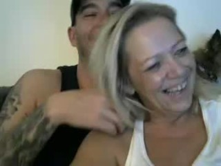 cpl_inlove couple doing everything you ask them in a sex chat