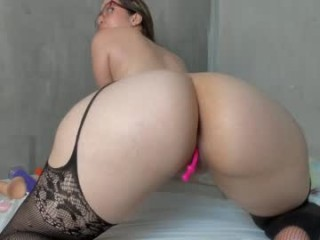 sofy_fire bisexual fucking boys and girls live on sex camera