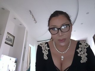 a-aurora bisexual mature cam girl fucking boys and girls live on sex camera