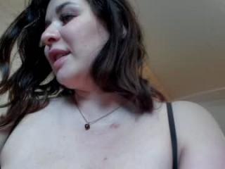 bella_snowwhite BBW milf cam girl teasing her pussy live on sex cam