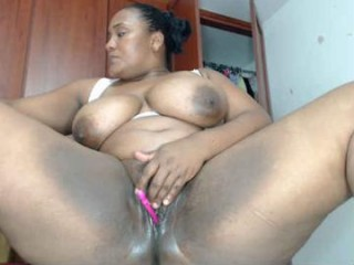 marysol83 milf cam girl with an ohmibod slutting it up live on camera