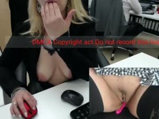 milf_viktoria milf cam girl doing the sexiest things in her private chat room