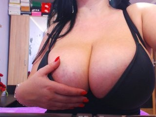 bustygirl01 the most beautiful brunette live on sex cam
