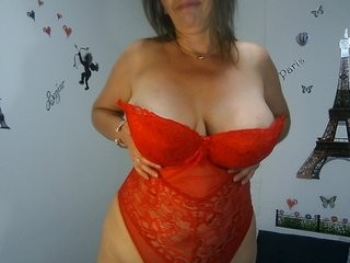 carla-lopez blonde mature cam girl and her wet little pussy, live on webcam
