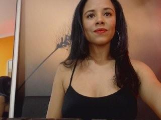miarobertt the most beautiful brunette live on sex cam