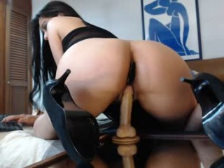 veronicapassi BDSM addict tortured live on webcam