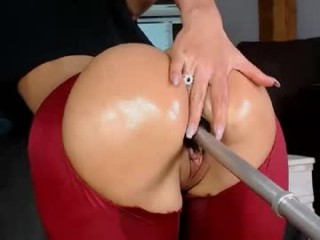brianaxbanks French young cam girl enjoys hardcore masturbating on sex cam