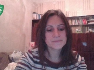 anulik777 doing it solo, pleasuring her little pussy live on webcam