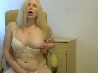 orebella blonde and her wet little pussy, live on webcam