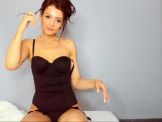 candymoore_ hardcore XXX live show with a candy-loving mature cam girl