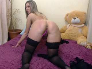 cherrylisa doing it solo, pleasuring her little pussy live on webcam