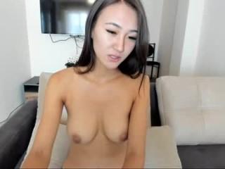 zem1 BBW teasing her pussy live on sex cam