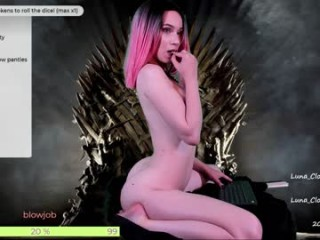 luna_clover show live sex via webcam